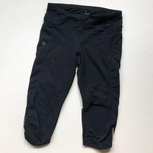 Athleta black Capri leggings with 2 side pockets